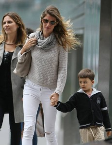The stunning Gisele Bundchen spotted in our Batikk scarf this past weekend in NYC! We think our Batikk scarf adds just the perfect pop of print to this iconic model's ensemble.